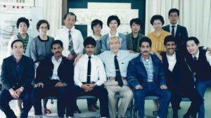 サウジアラビアからの留学生と共に。1989年 (中央が矢口)